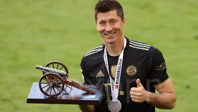 Fútbol: Con 41 goles, Robert Lewandowski batió el récord de Gerd Muller