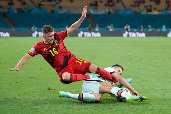 «Il faudra attendre 48 heures,pour connaître la gravité des blessures subies par De Bruyne et Eden Hazard», a expliqué le sélectionneur de la Belgique Roberto Martinez.