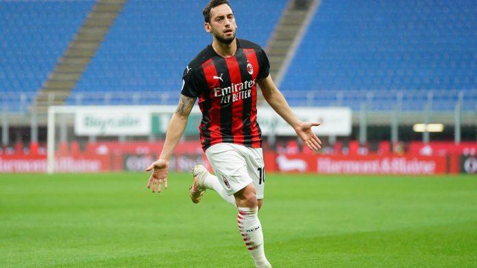 Calhanoglu deja el AC Milan y se une al Inter