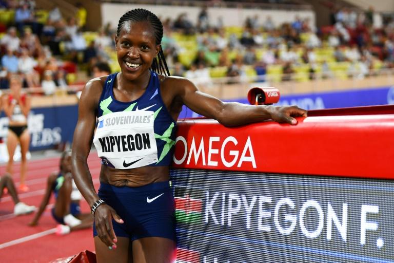 La keniana Faith Kipigon, autora del cuarto espectáculo de la historia sobre 1500 metros en 3 minutos 51 segundos 07, en el encuentro de Mónaco, 9 de julio de 2021 (AFP - Clement Mahudu)