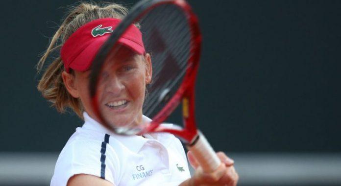 Tennis (F) : Ferro passe, Cornet et Barty éliminées