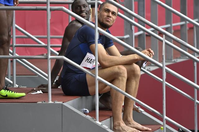 """""""Una pequeña patada en las nalgas"""", reconoce Wilfred Happio después de la serie de 400 m vallas en los Juegos Olímpicos de Tokio."""