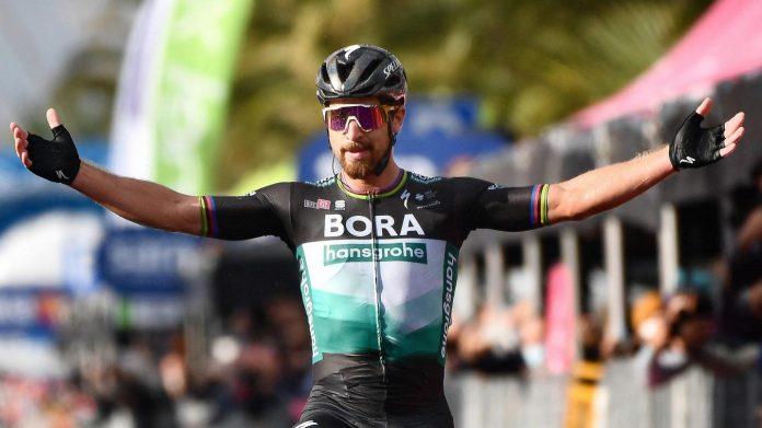 Peter Sagan, lors de la première victoire de sa carrière sur le Giro, à Tortoreto, en octobre 2020. PHOTO EPA