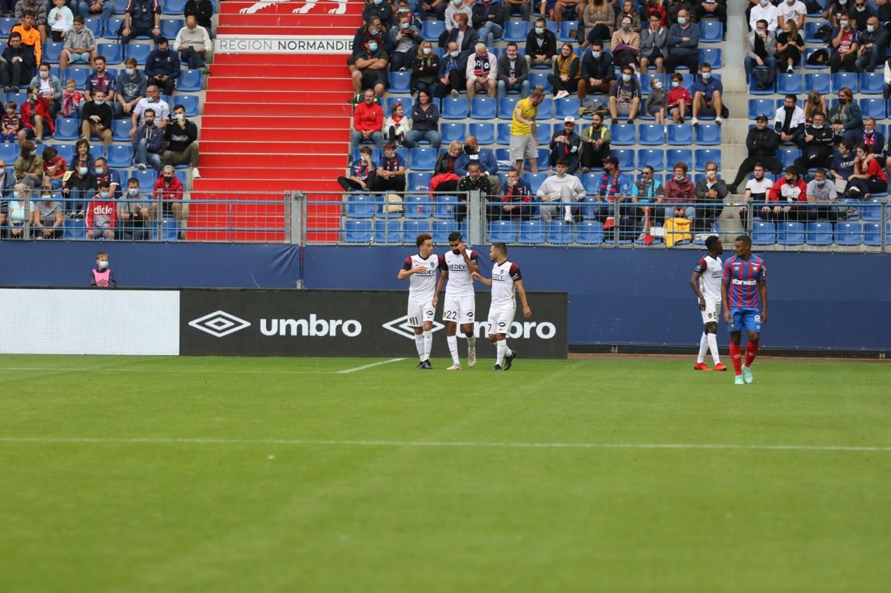 La alegría de Suchalin tras el gol de Kalulu