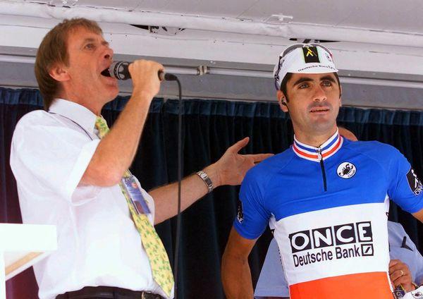 El 24 de julio de 1998, Daniel Mangias con Laurent Galbert antes de la 12ª etapa del Tour de Francia en Tarascon-sur-Arig.