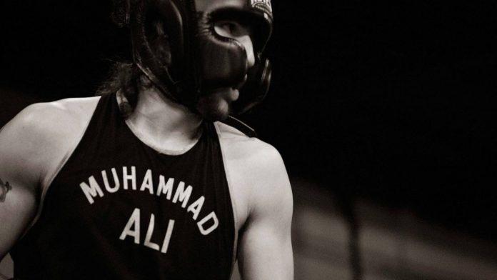Victoria por nocaut para el nieto de Muhammad Ali en su primera pelea profesional