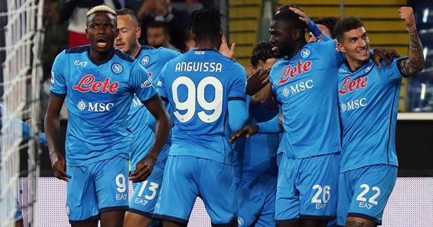 Serie A: el Nápoles continúa con su estilo impecable y toma la delantera por sí solo